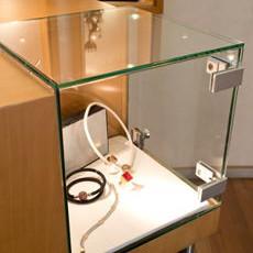 Glasvitrinen für Uhren und Schmuck